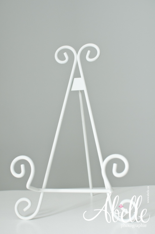 White metal tabletop easel