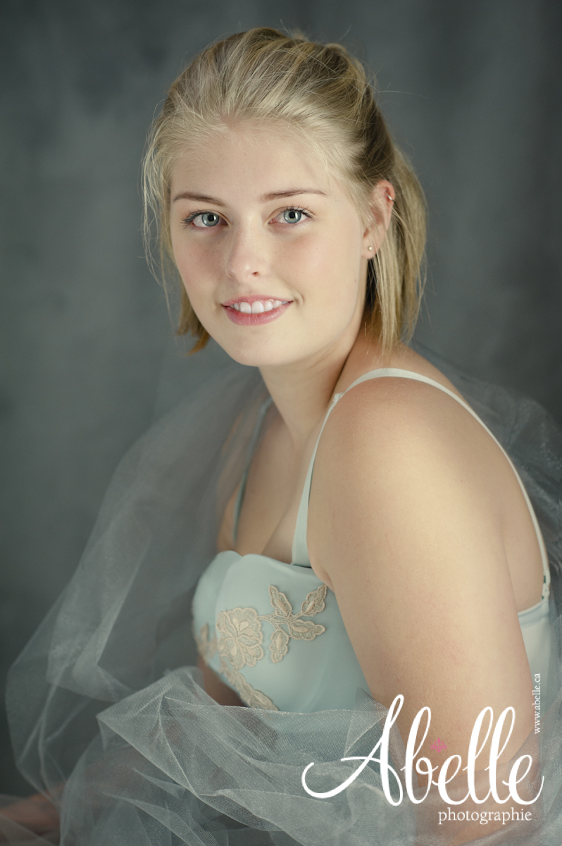 High school senior portrait photography studio
